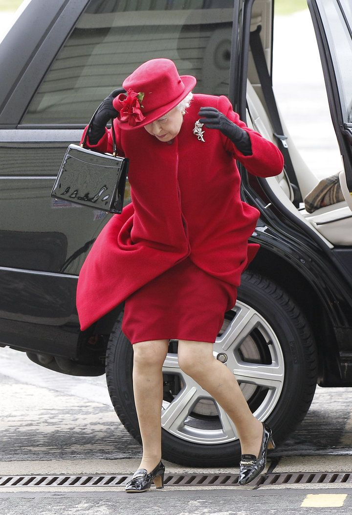 Old Photo Of The Queen Looking Windswept Becomes A Royally Funny Meme Queen Elizabeth Memes Her Majesty The Queen Queen Elizabeth