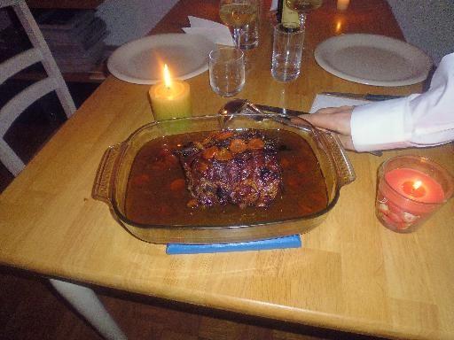 muscade, oeuf, gingembre confit, crême fraîche, carambole, bouillon de volaille, oignon, abricot, huile d'olive, vanille, roti de porc, carotte