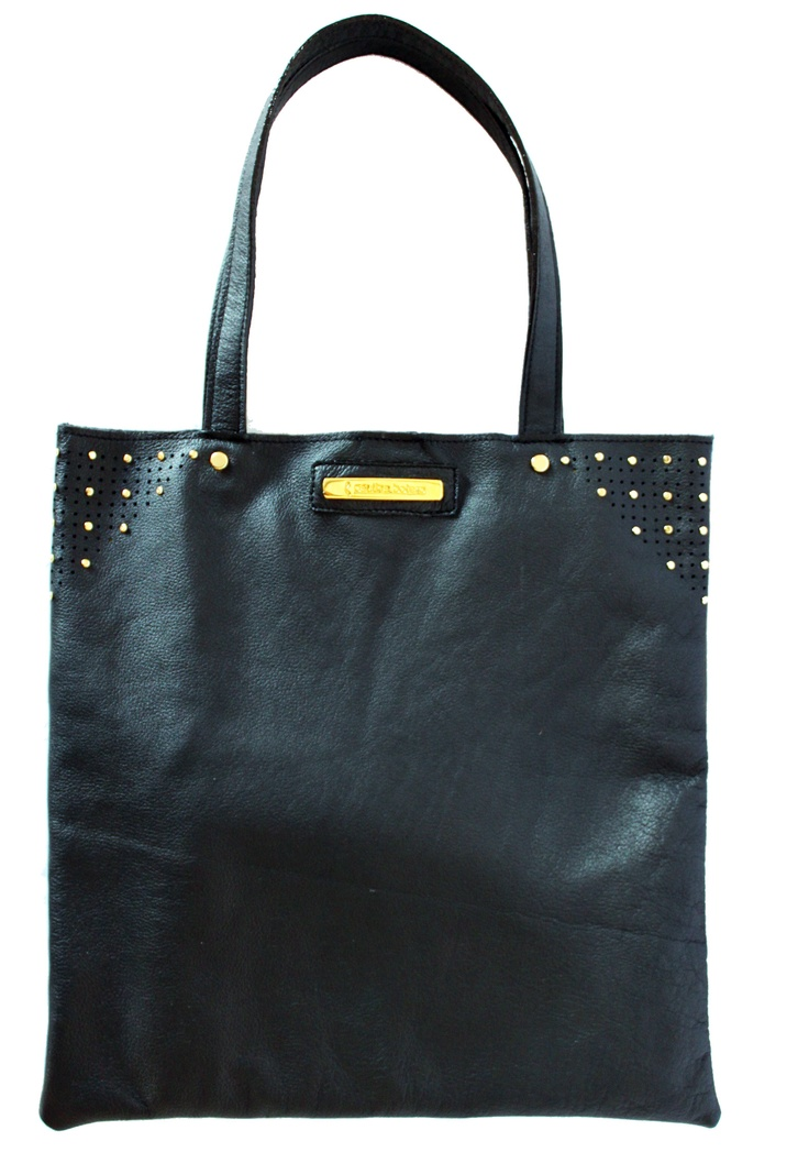 Black flat bag. By Paulina Botero