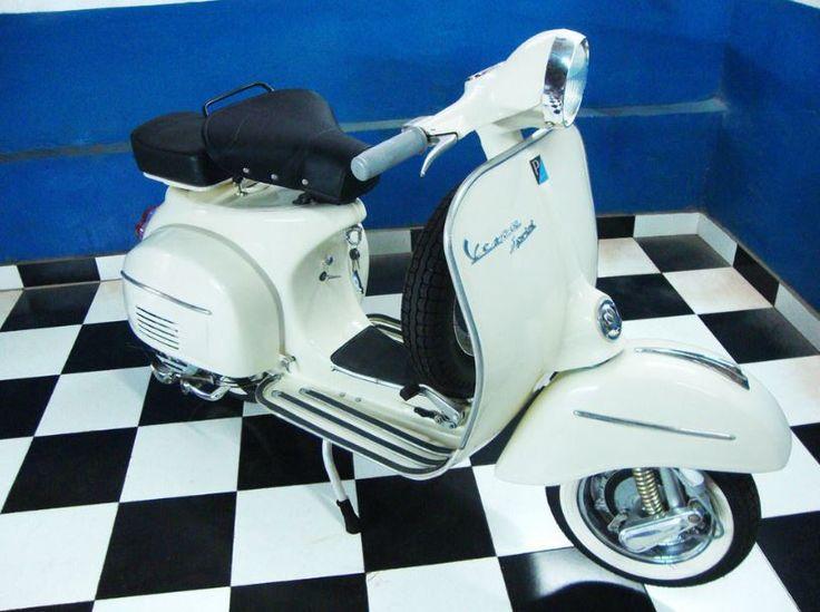 1967 VESPA SPRINT 150