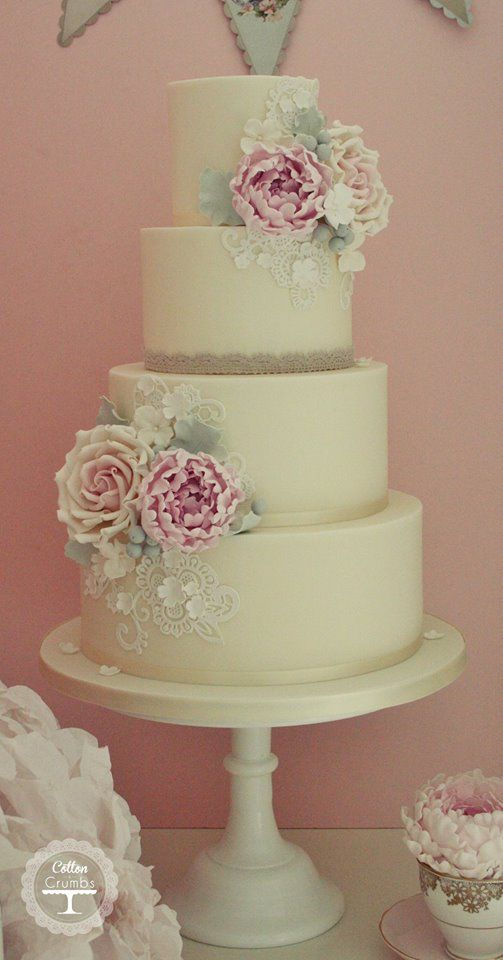 35 Chic Classy Wedding Cake Inspiration - MODwedding