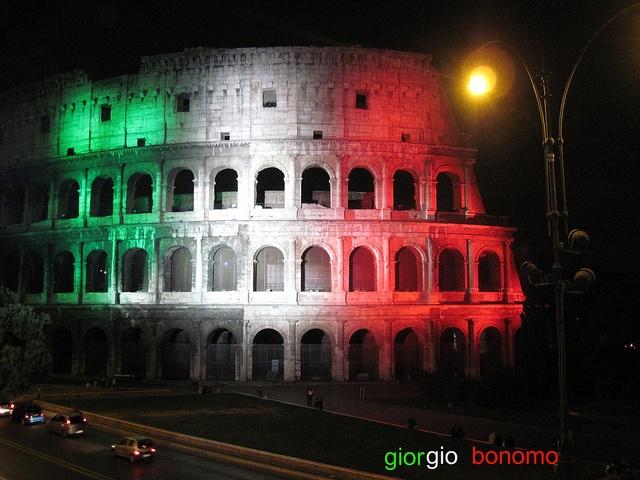 il tricolore al Colosseo