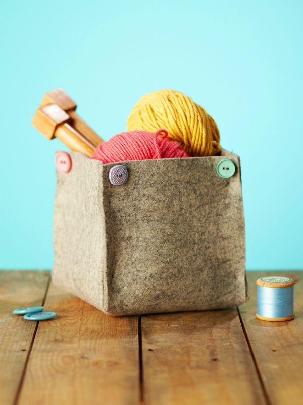 DIY: wool felt storage tub / Faça você mesmo: cestas de feltro