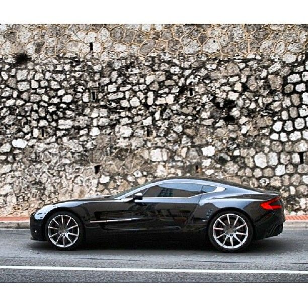 They say everyone loves an Aston. Something about the elegance and yet attitude of the cars are captivating. This new One-77 is the pinnacle.