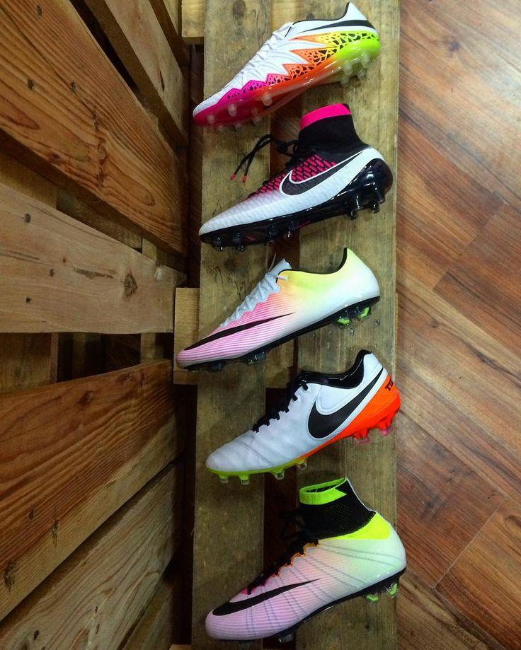 Почти полное собрание Radiant Reveal Pack #soccermarket #малаяарнаутская82…