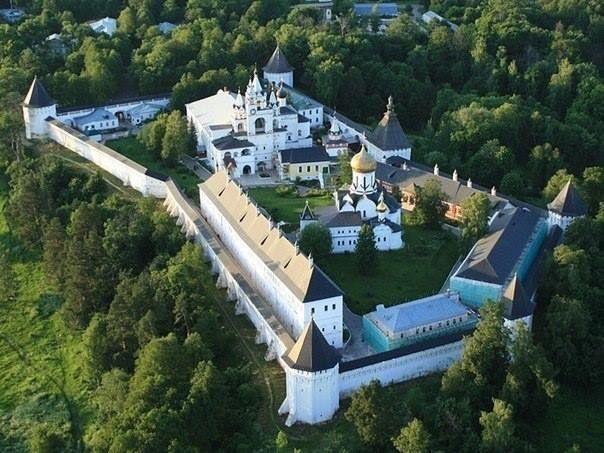 Звенигород. Саввино-Сторожевский монастырь XV-XVII век
