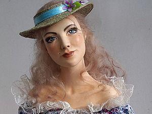 Здравствуйте, уважаемые любители и ценители ручной работы! Предлагаю Вам принять участие в аукционе, лотом которого представляется будуарная кукла Аделия! Это утонченная девушка в красивом платье и шляпке. У нее мягкий, мечтательный взгляд серо-голубых глаз, мягкие волосы жемчужного оттенка. Она красивая и загадочная. Иногда можно заметить смену настроения.…