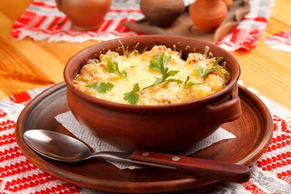 Картофель отварной, жареный, запеченный… Этот клубнеплод дарит нам неиссякаемые возможности для кулинарного творчества. Большой плюс также в том, что блюда из картофеля получаются довольно сытными.…