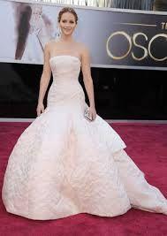 Jennifer Lawrence - ganadora a la mejor actriz y a la mejor vestida