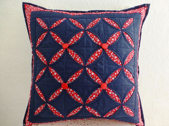 Cathedral Windows Cushion class sample | Flickr - Photo Sharing!