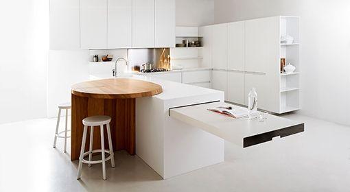 Elmar Slim, cucina moderna bianca, con tavolo estraibile