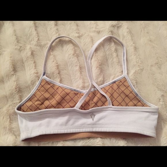 lululemon kids sports bra from ivivva by lulu. size 12 kids but wpuld fit an xs-s. no padding. worn once and washed once. slight pilling lululemon athletica Intimates & Sleepwear Bras