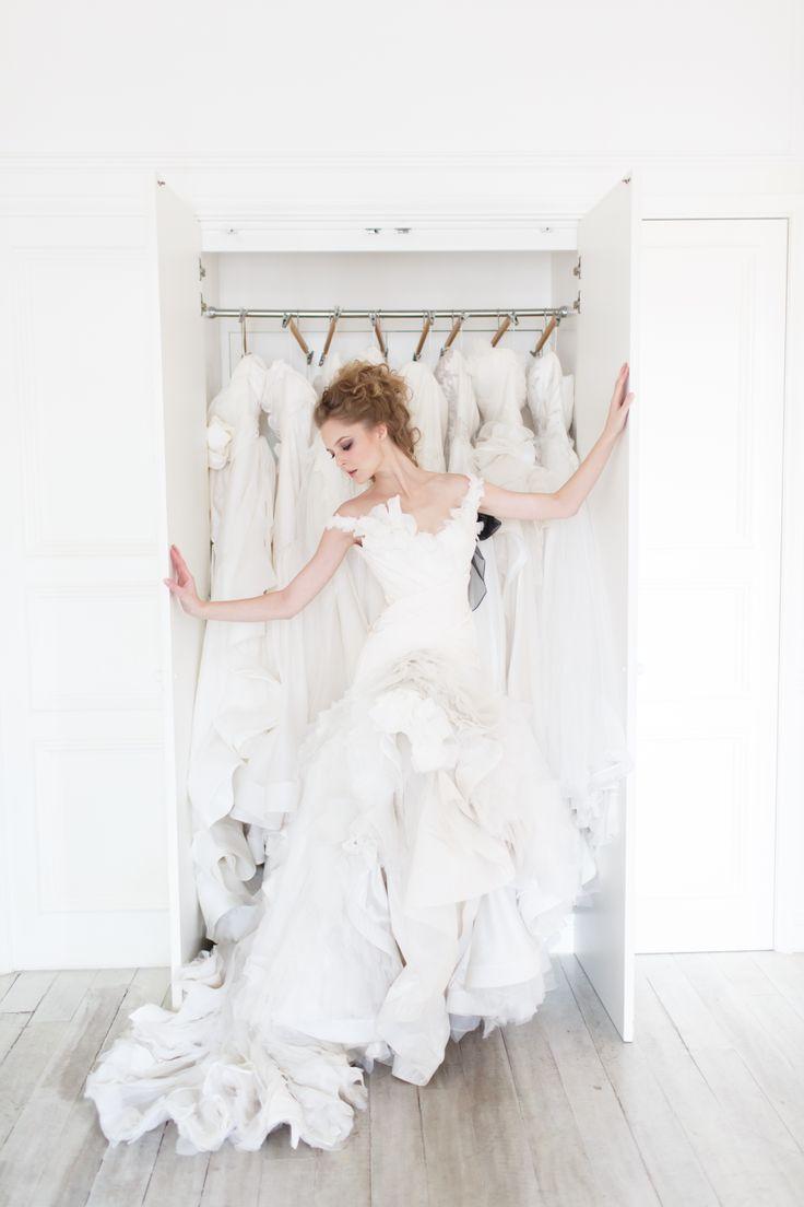 Swan gown from Vivian Luk's White Collection #vivianluk #vivianlukatelier #white #bridal