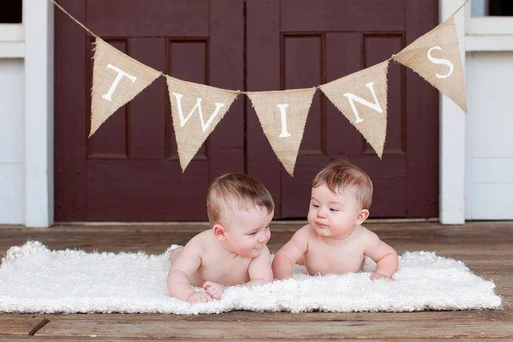 This would be cute to put baby's name on the banner. :-)