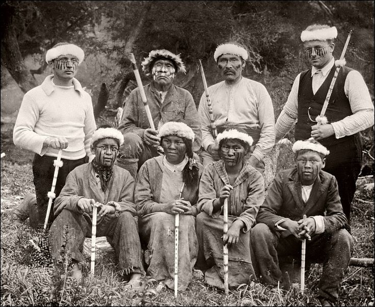 Yaghan People (1922) The Yaghan were one of the indigenous peoples of the Tierra del Fuego in South America. Only few Yaghans survived the colonization by white settlers.