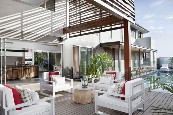 Entertaining is made easy with this beautiful SHAWOOD design that seamlessly flows from the indoors to the outdoors | Sekisui House