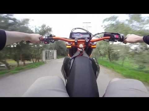 KTM supermoto Wheelie practise