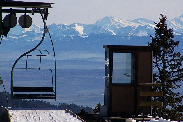 http://www.linternaute.com/sortir/escapade/petites-stations-de-ski-moins-cheres/metabief-jura.shtml