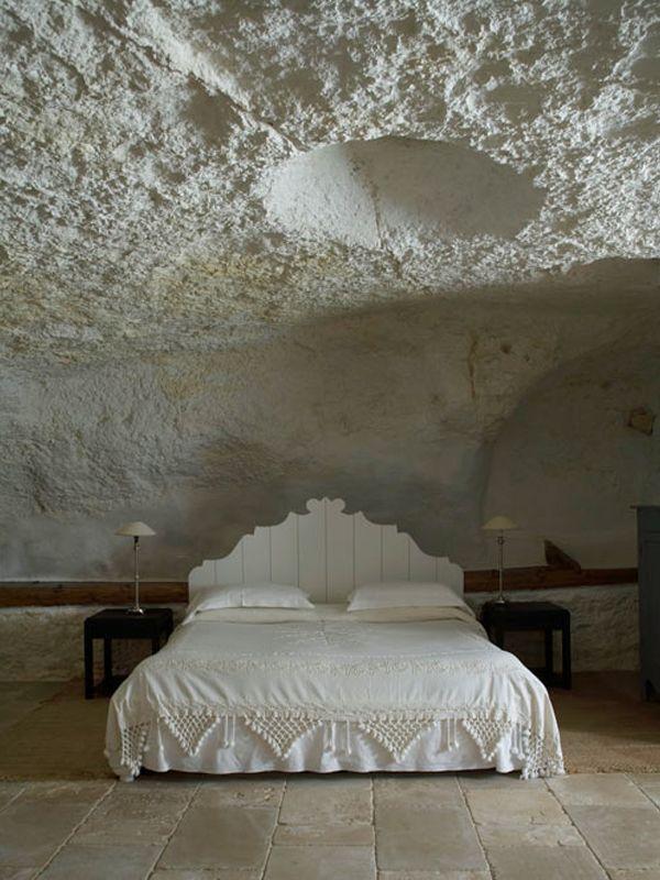 Puglia, Cave bedroom