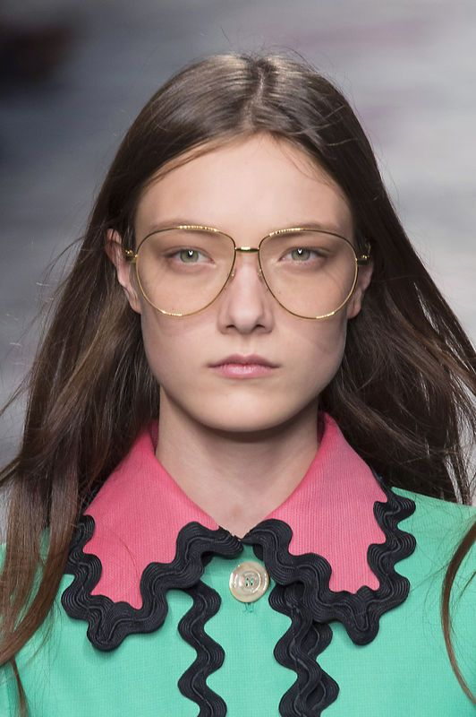 modne-okulary-korekcyjne-gucci-fot-imaxtree.jpg (532×800)