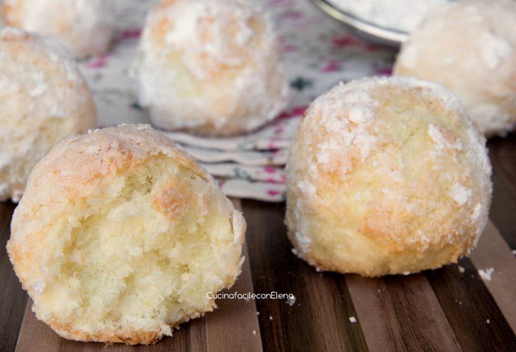 I Pasticcini al Cocco sono dei deliziosi, profumati e velocissimi biscottini molto semplici da realizzare, servono soli 3 ingredienti e pochissimi minuti!!!