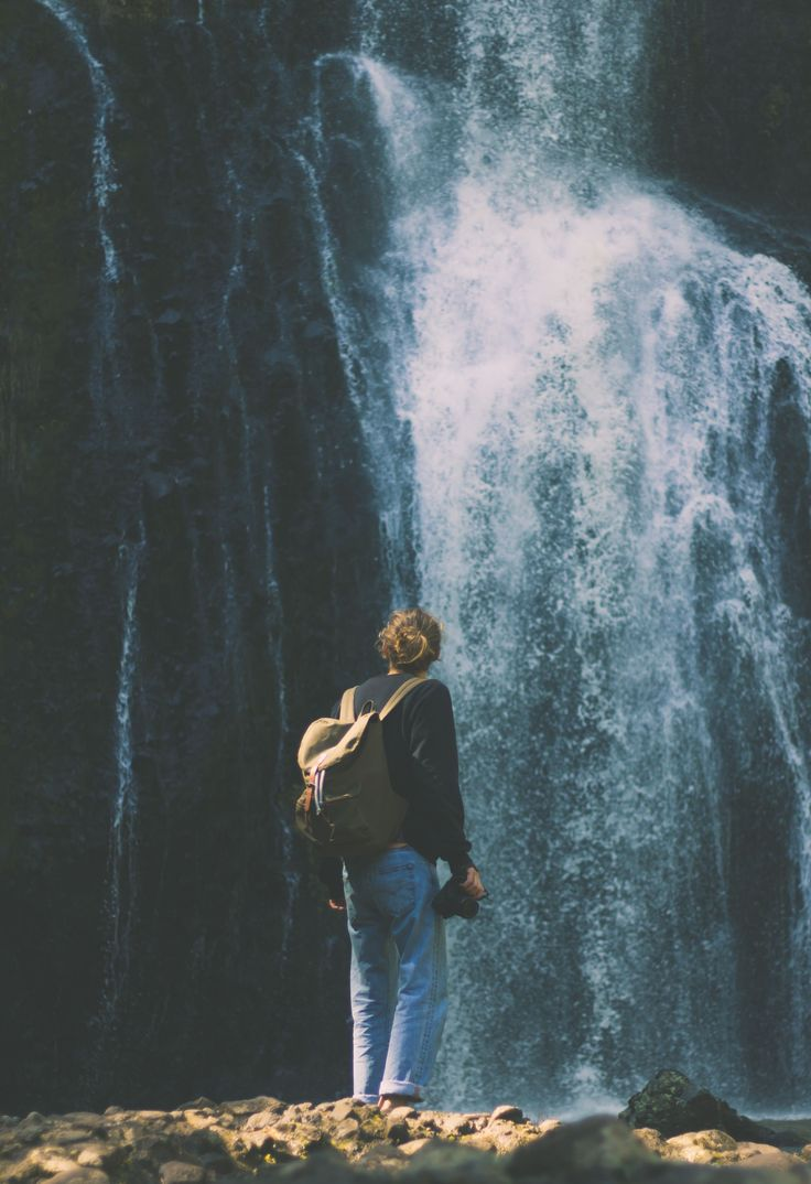 Our Roald in olive worn by @seanoram at Kitekite Falls, New Zealand.