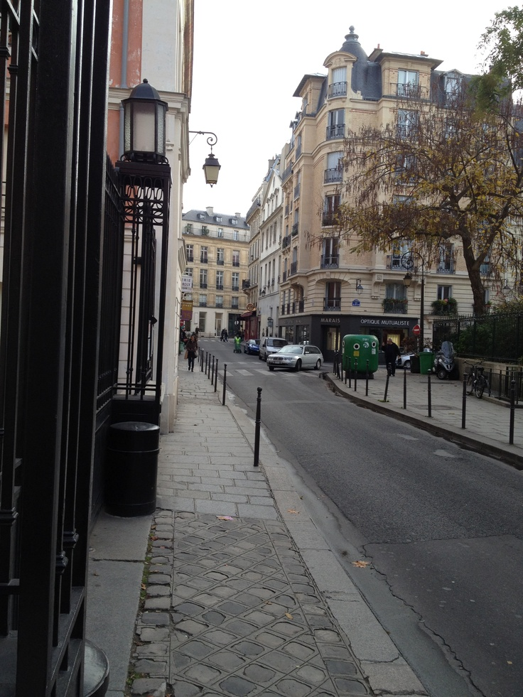 the bastille neighborhood paris