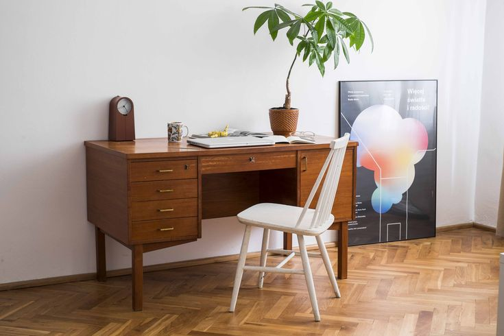fot. Eliza Dunajska & Max Zieliński #vintage #vintagefinds #vintageshop #forsale #furniture #home #decor #retro #midcentury #midcenturymodern #classic