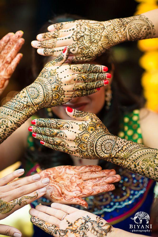 Bridal henna. Image by Biyani Photography