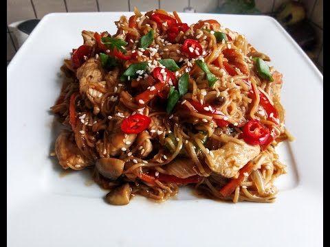 Makaron Chow Mein z Kurczakiem - Chińskie Przepisy - Orientalny Serwis