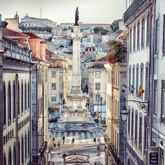 Pure pleasure by lisbonfinest #homedesign #contratahotel (o) http://ift.tt/1P4TC3M downtown // Лиссабон нижний город. Photo by Jorge Franco #lisbonfinest #realestate #lisbon #lisboa #лиссабон #португалия #portugal #finestproperties #luxury #deco #недвижимость #интерьер #investment  #travel #дом #homedecoration  #home #апартаменты #квартира #baixa #downtown