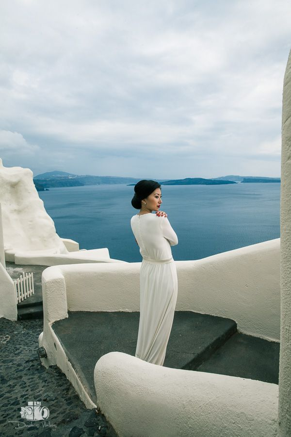pre_wedding_photoshoot_Santorini_Oia_Greece 07