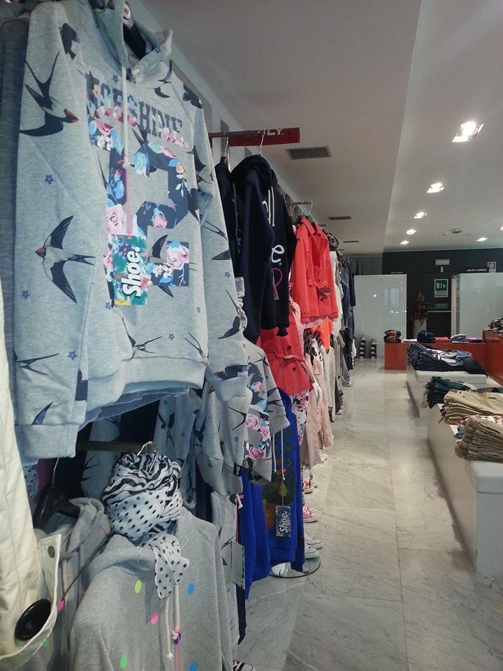 LAB Concept Store - Piazza Santarosa 26 12038 Savigliano (CN)