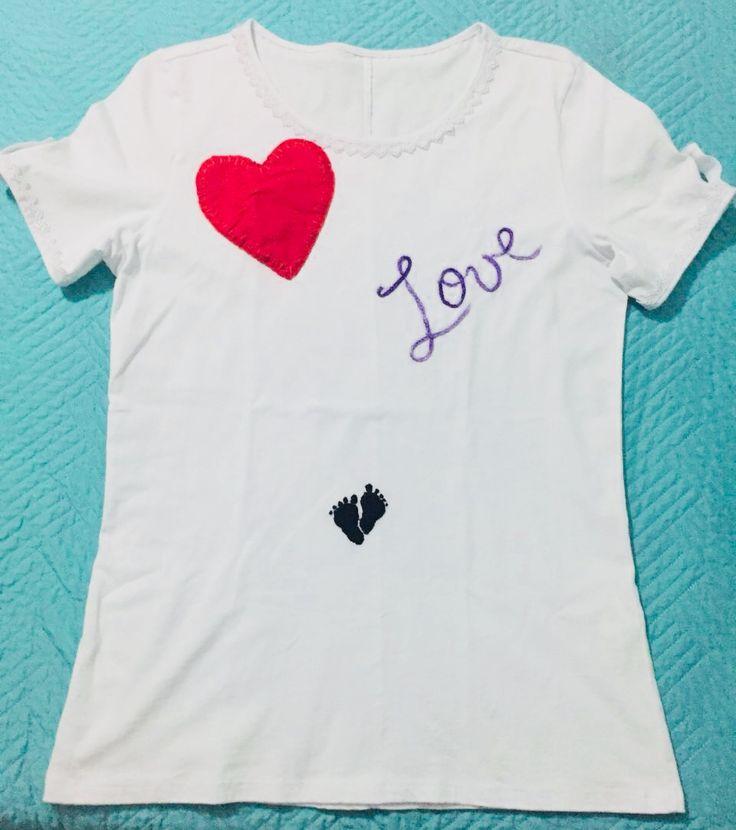 Diseño de blusa bordada a mano 🤚🏼👣🤰🏼❤️ •••••••••••••••••••••••••••• #Colombia #Barranquilla #manosquecrean #hechoamano #Artephie #vivetuimaginación