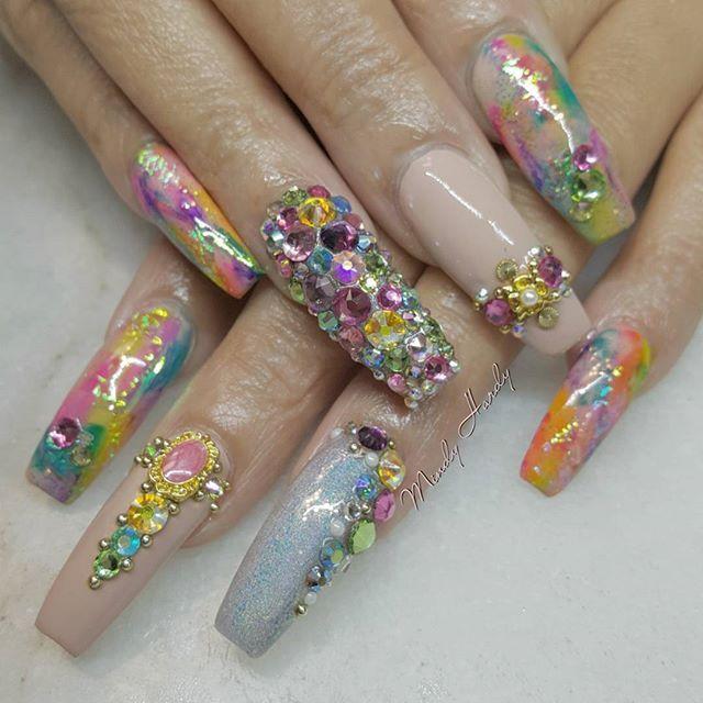 Spring has Sprung.... @merakibeautystudio  @merakibeautystudio  @merakibeautystudio  #orlandonails #hotnailart #mindyhardy #nails #orlandosalon #orlando #glamnails #)