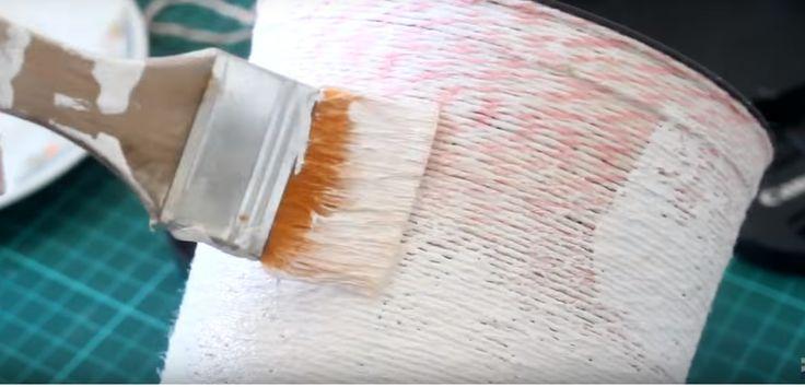 Recicla tus envases de helados con lana y decoupage