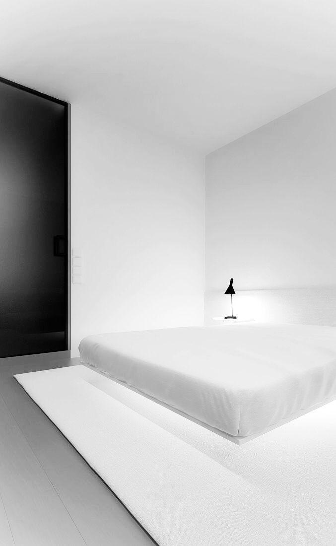White bedroom. Oporski Architektura. House in Mokotow, Warsaw