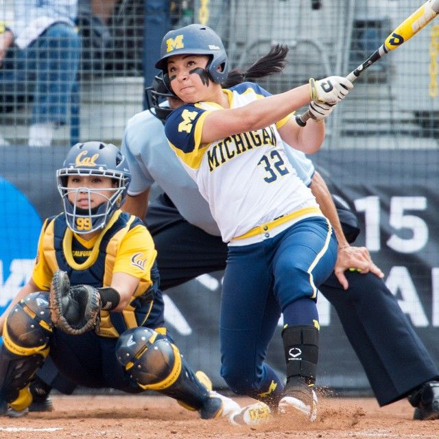 Wolverine Sierra Romero knocked out a solo homer vs Cal today to tie our U-M career HR record (62) and set a new career RBI record (220). She's only a junior! U-M won 9-1 in 6 inn. #GoBlue