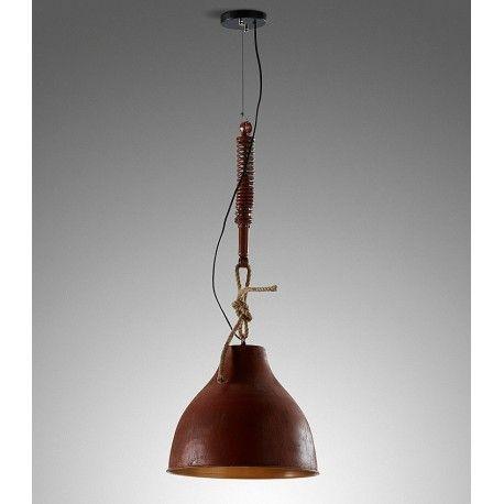 LAMPARA DE TECHO EIDAS Lámpara de techo EIDAS de estilo vintage con pantalla de acero galvanizado. Disponible en color natural envejecido tipo óxido y en negro. Suspensión con detalle de cuerda y metal.  El diámetro de la lámpara es de 40 cm. y la altura de 38 cm. y tiene un peso de 5 kg.  Este producto requiere un pequeño montaje por parte del cliente.