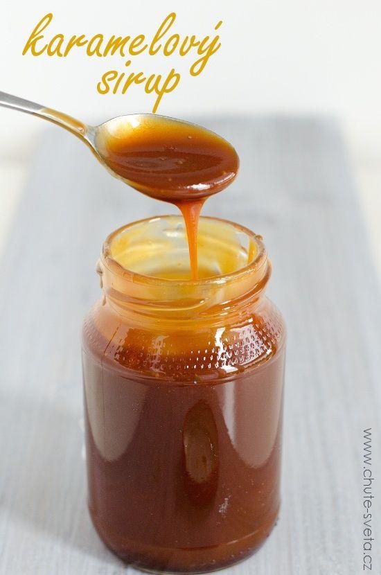 Příprava domácího karamelového sirupu je mnohem jednodušší, než si možná myslíte. Nepotřebujete žádné zvláštní suroviny (pravda, tento recept používá kukuřičný sirup, který ale bez problému sežene v prodejně zdravé výživy) a je to rychlovka. Můžete ho podávat