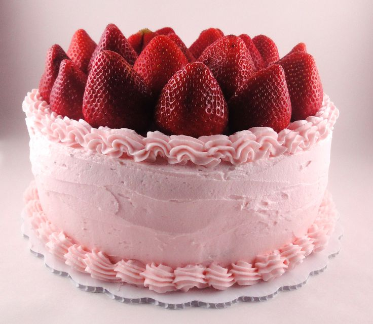 Berry Perfect Party Cake - How beautiful, almost to pretty to eat. But we will! #cake