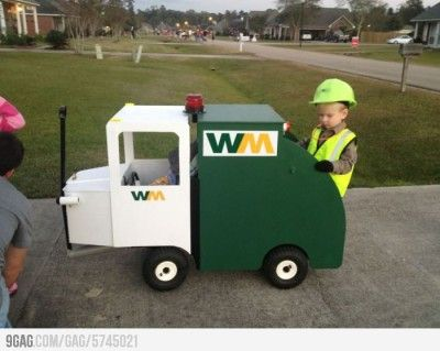 Garbage truck wagon for Halloween?! My little man would be beside himself with giddiness!