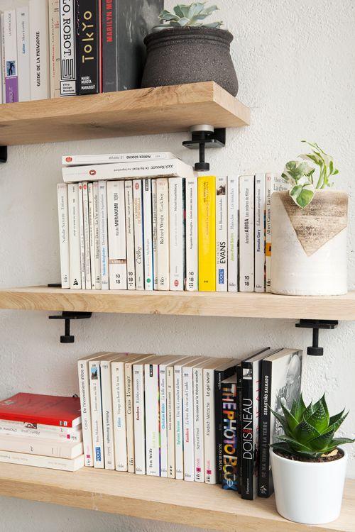 les 25 meilleures id es de la cat gorie table de chevet murale sur pinterest tables de chevet. Black Bedroom Furniture Sets. Home Design Ideas