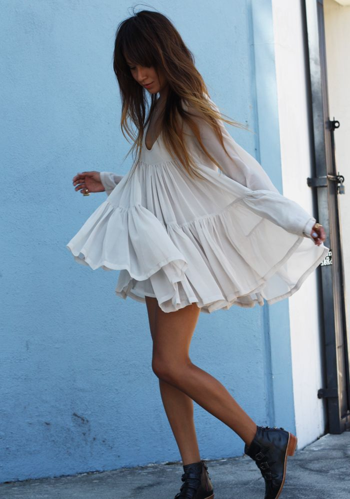Sincerely Jules in the Jetts and chiffon dress.