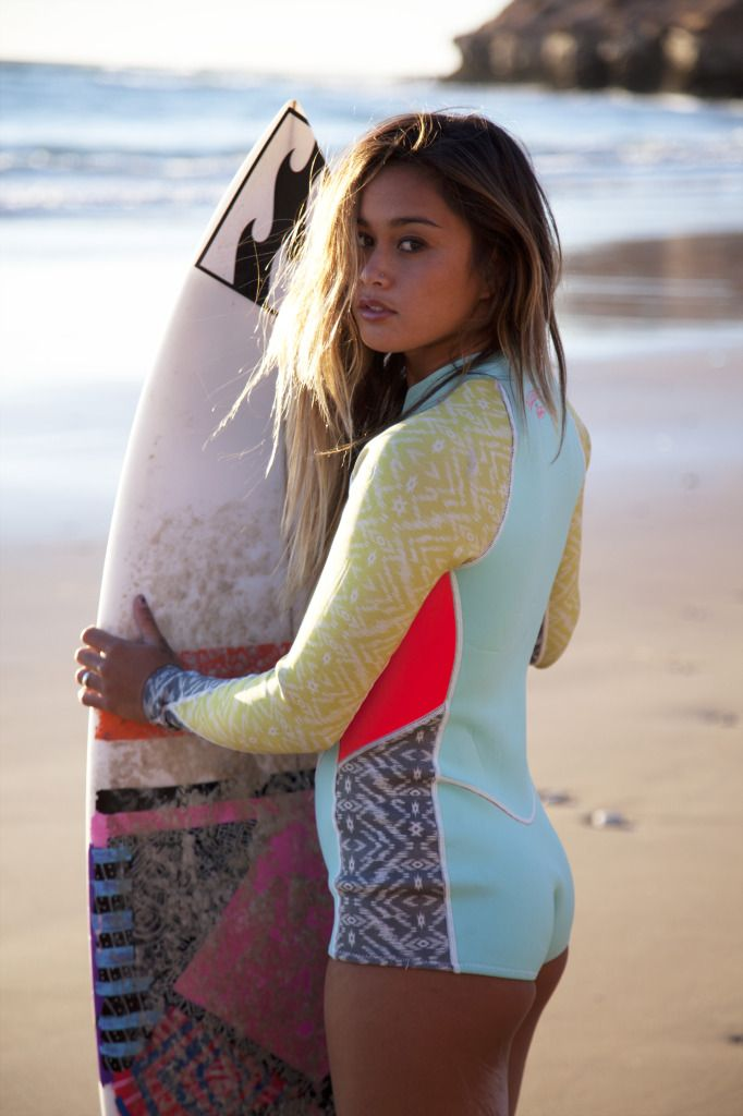 Surf clothes for women