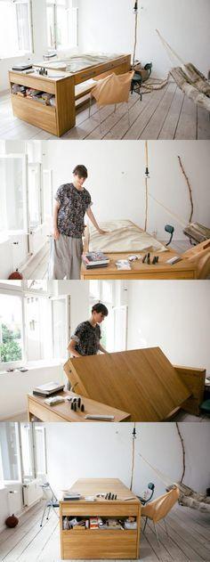 Multifunktionsmöbel Tisch & Bett in einem. Schlaues Bett für kleine Wohnung. Klappbett für eine kleine Wohnung.  Platzsparend und praktisch durchdacht einrichten - lautet die Devise einer 1-Zimmer Wohnung. Passt der Grundriss, finden Bett, Schrank, Schreibtisch und co. auch in einer kleinen Wohnung Platz. Hochbetten oder Raumteiler /Raumtrenner in einer 1-Zimmer-Wohnung können wahre wunder bewirken. Und mit der richtigen Einrichtung und Deko wirkt auch die Einraumwohnung nicht vollgestopft.