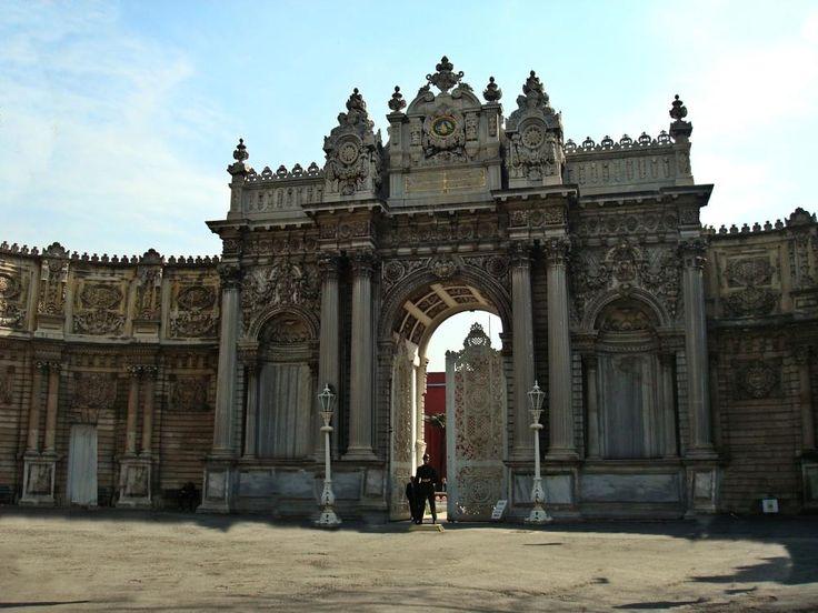 Dolmabahce palace by mircea.fotograf.az