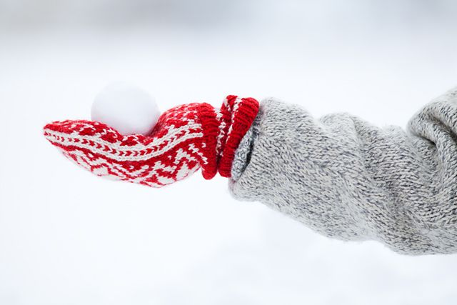 .: Red Mitten, Holidays Winter Snow, Red Winter, Christmas Red, Winter Wonderland, Perfect Snowball, Midwinter Dream, Winter Red