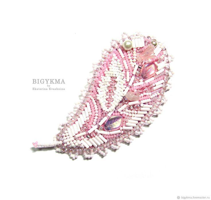 """Брошь """"Фламинго"""" с розовым кварцем. Брошь-перо – купить в интернет-магазине на Ярмарке Мастеров с доставкой"""