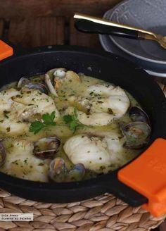 Receta de merluza en salsa verde. Recetas de pescado y marisco. Con fotos de presentación y del paso a paso y consejos de elaboración y de degust...